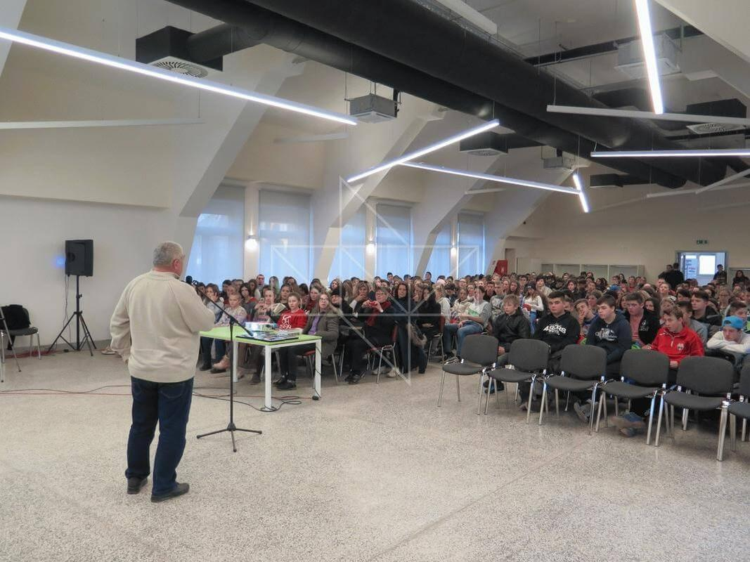 Gost predavač u Školi mira gospodin Ivica Banožić - 03