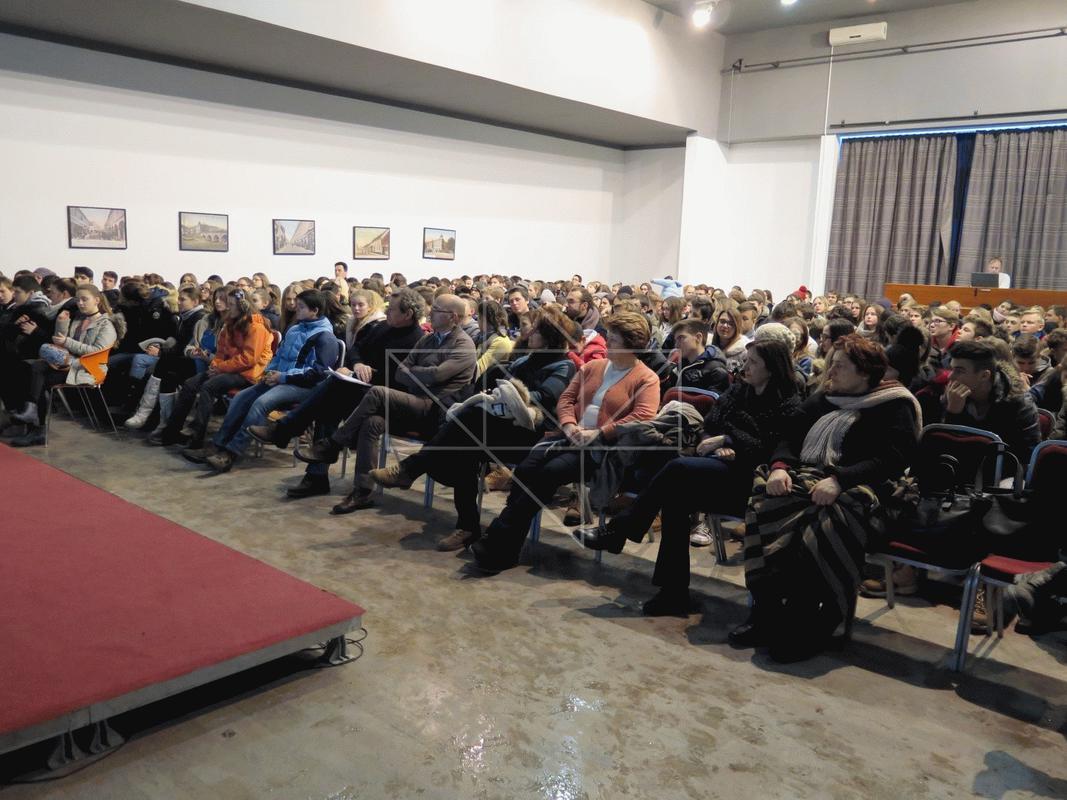 Gost predavač u Školi mira gospodin Vlado Iljkić - 07