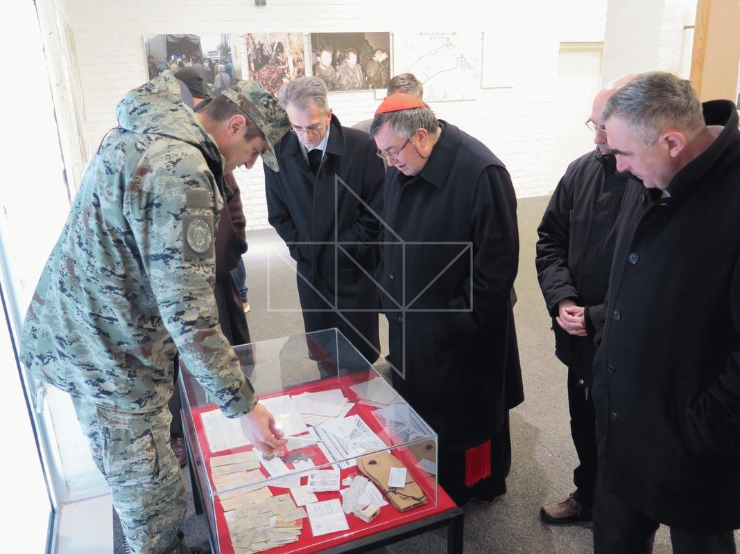 Kardinal Vinko Puljić u Školi mira - 04