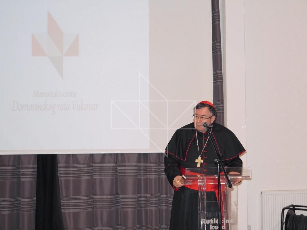 Kardinal Vinko Puljić u Školi mira - 14