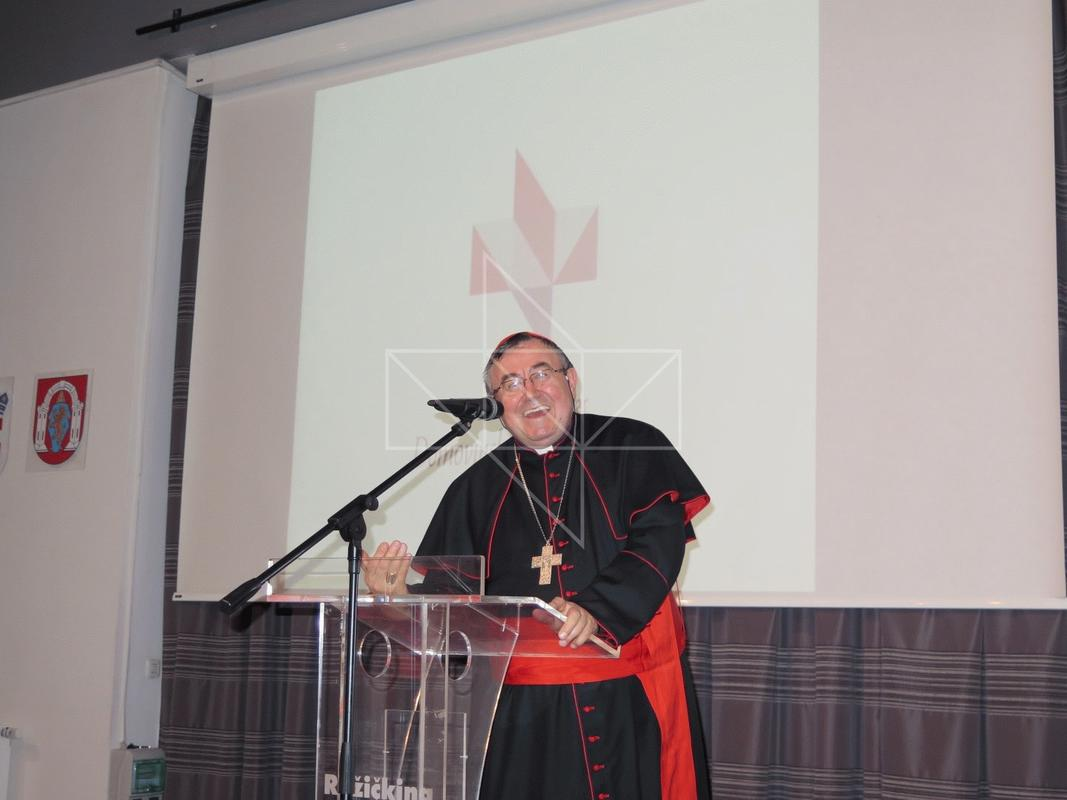 Kardinal Vinko Puljić u Školi mira - 17