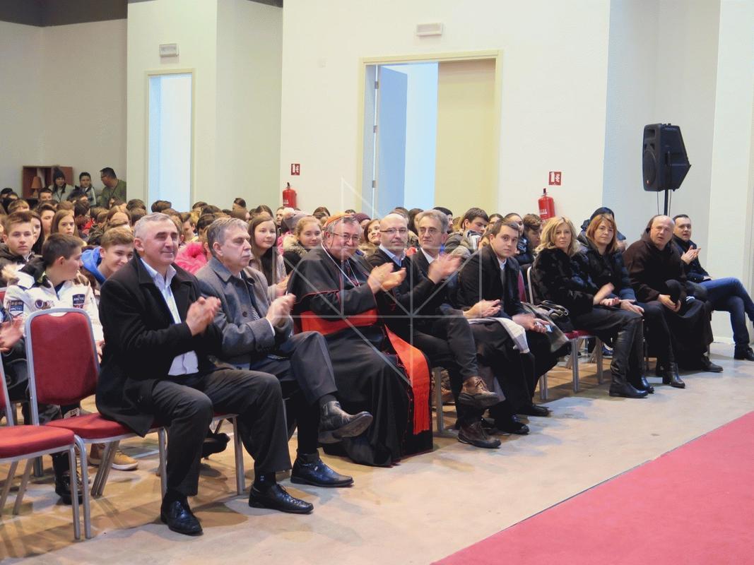 Kardinal Vinko Puljić u Školi mira - 18