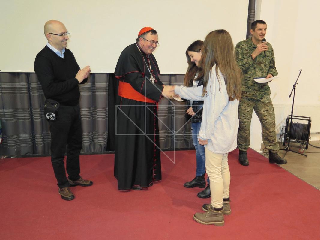 Kardinal Vinko Puljić u Školi mira - 19