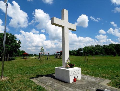 Križ u Lušcu