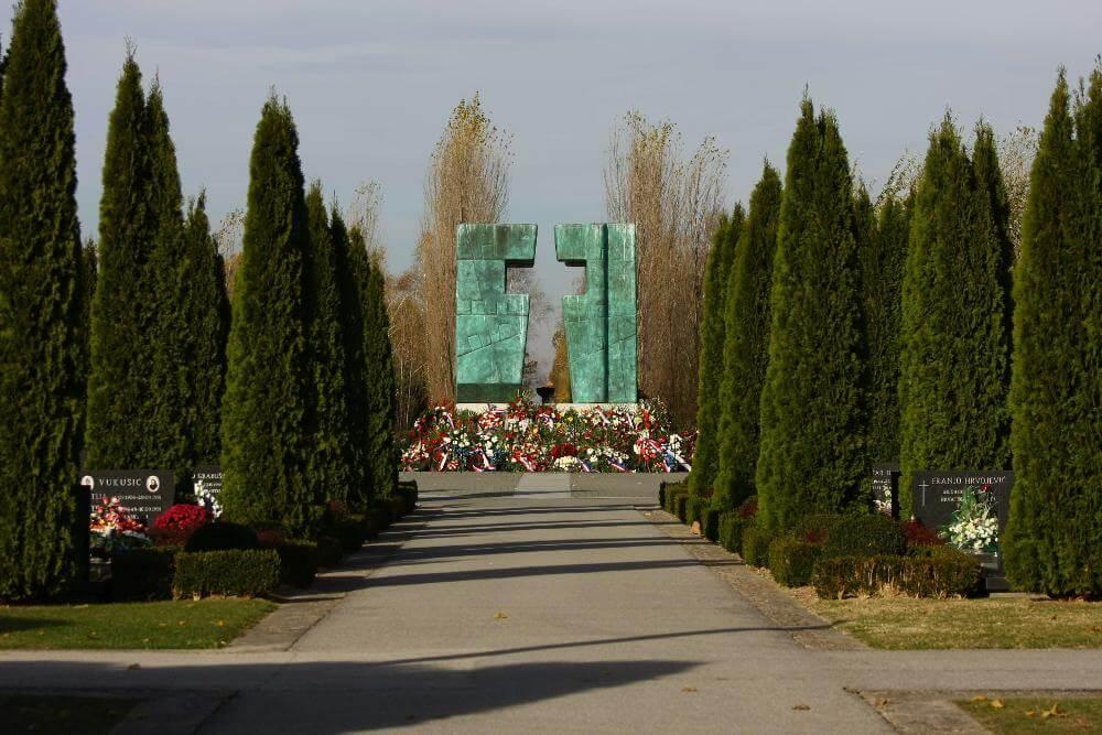 Memorijalno groblje žrtava iz Domovinskog rata u Vukovaru - 02