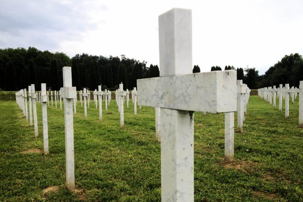 Memorijalno groblje žrtava iz Domovinskog rata u Vukovaru - 05