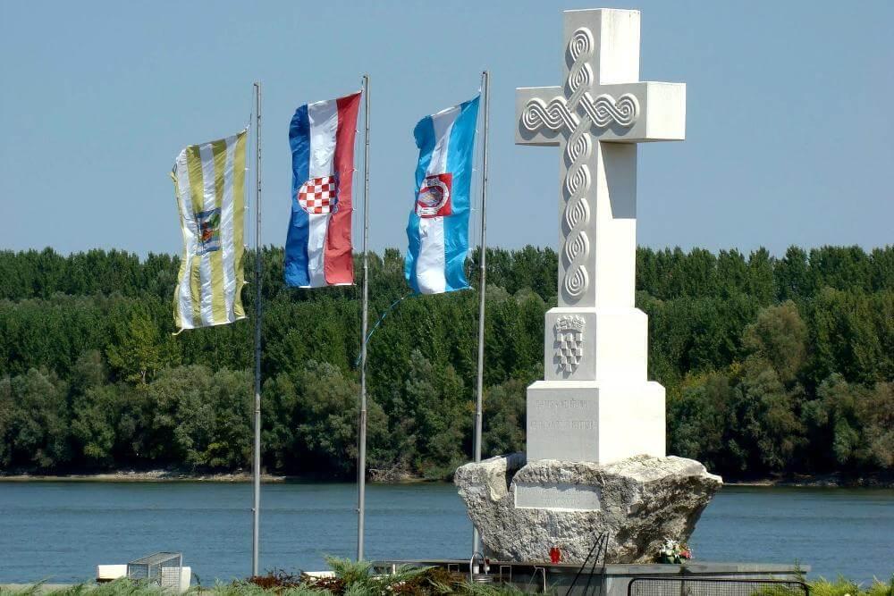 Središnji križ na ušću Vuke u Dunav - 02