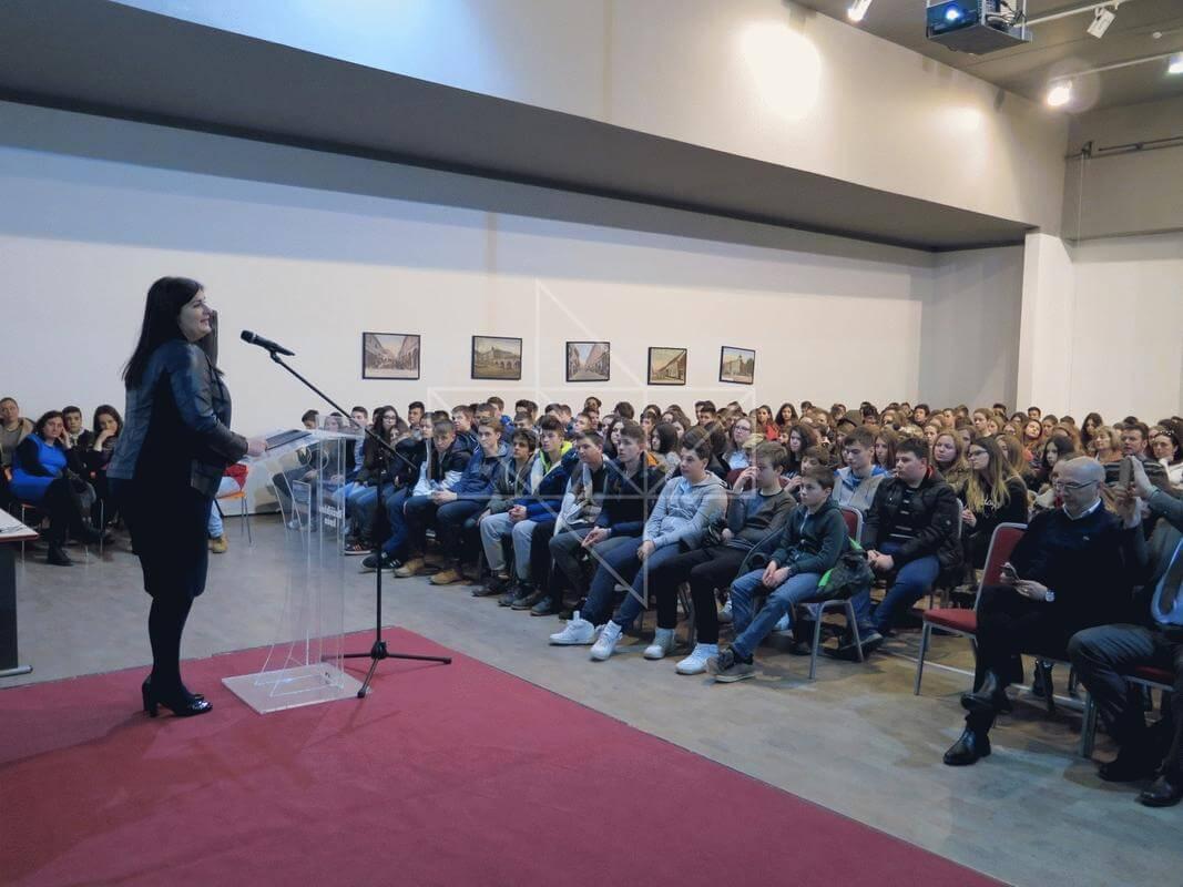 Ministrica Gabrijela Žalac u Školi mira - 04