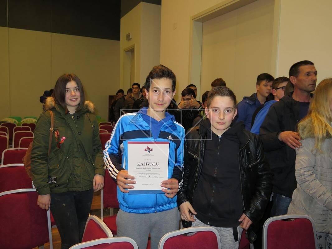 Arne Hartig i Lana Mayer u Školi mira - 06
