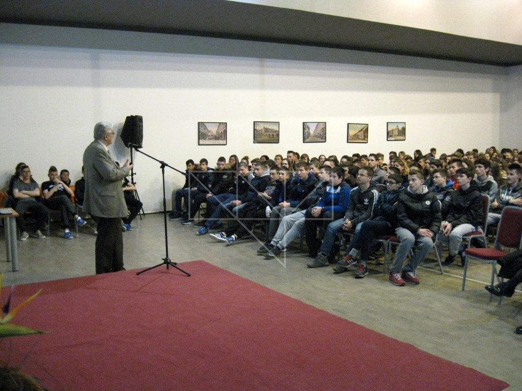 Miroslav Tuđman u Školi mira - 09